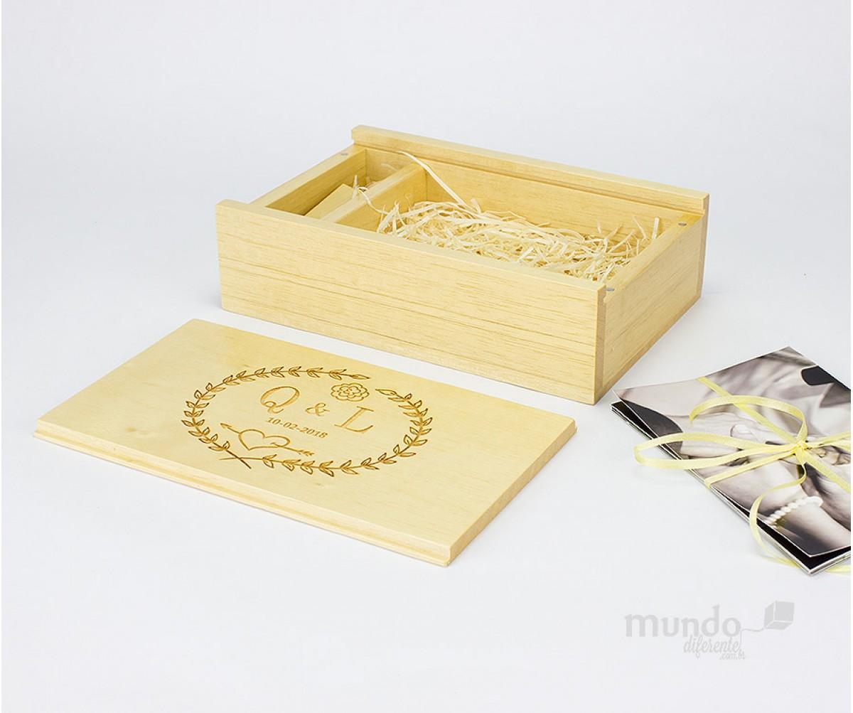 Memory Box Caixa de Madeira Clara Personalizada para Fotos 10x15 com divisória