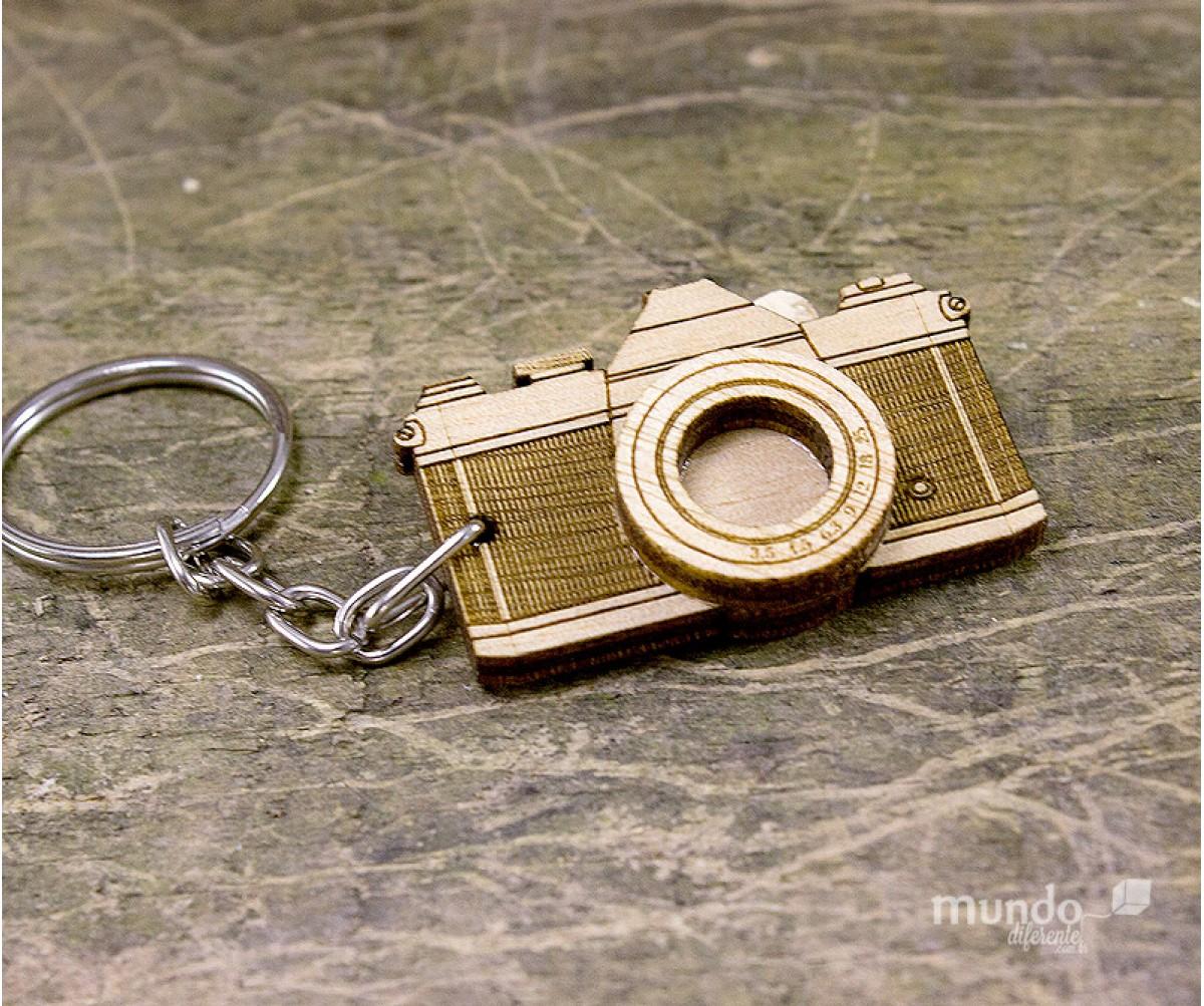Chaveiro Câmera de Madeira