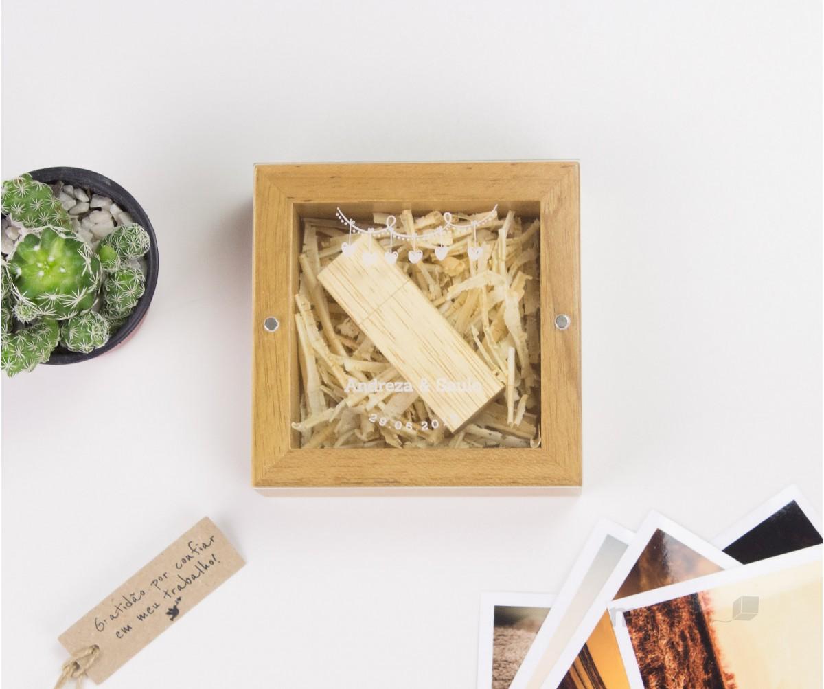 New Cute Box - Caixa de Madeira Tauari para pendrive com tampa acrílica Personalizada
