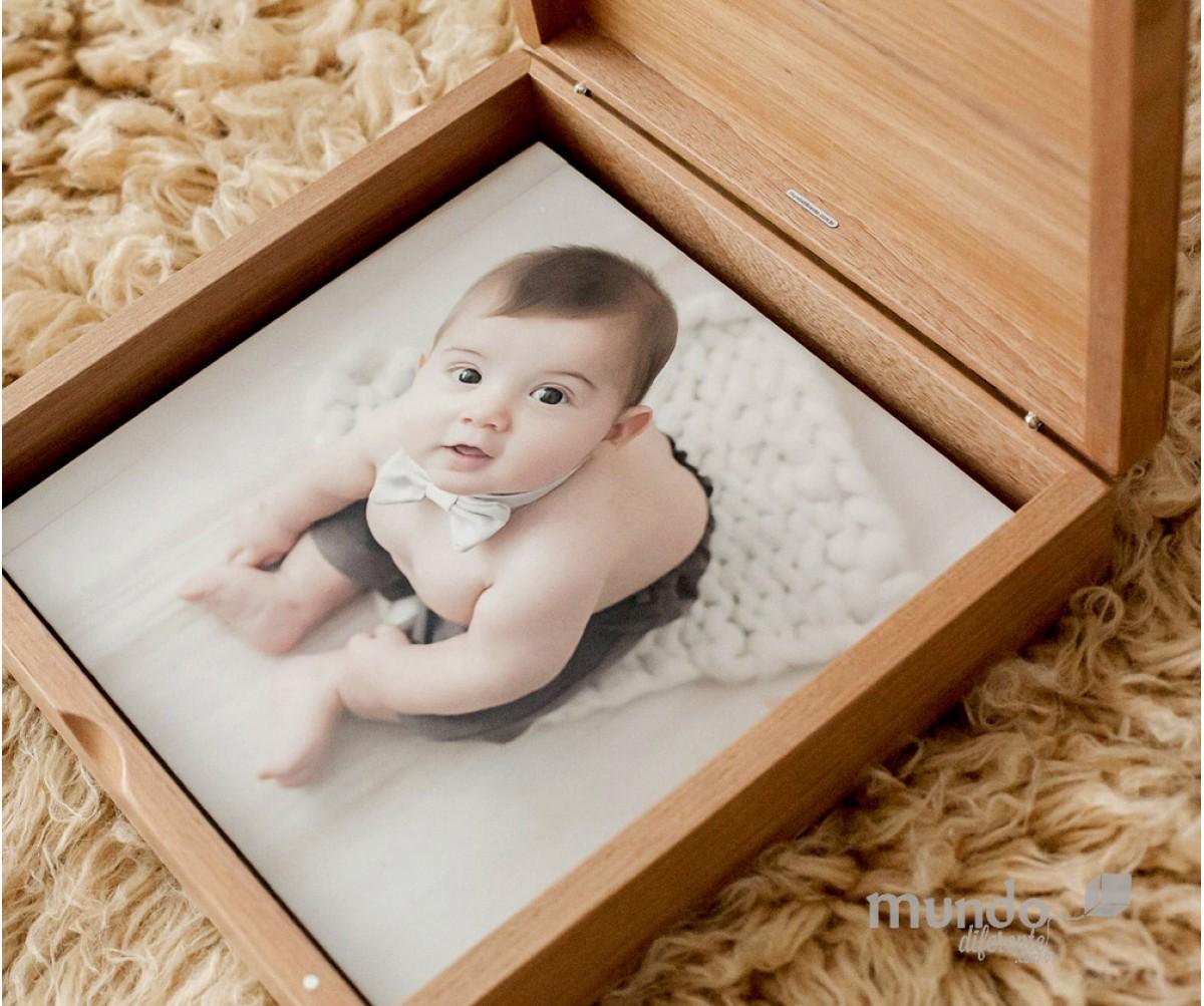 Memory Box Plus - Caixa de Madeira em Jequitibá 22x22cm